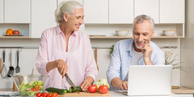 Bagi lansia yang susah makan, cobalah untuk beralih ke makanan ini