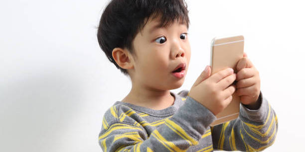 Waspadai Dampak Media Sosial Terhadap Anak-Anak Dan Remaja